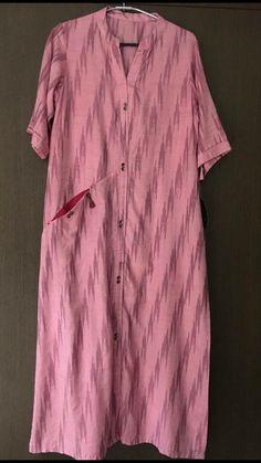 Beautiful ikat cotton kurti with pocket detailing Simple Kurti Designs, Salwar Designs, Kurta Designs Women, Blouse Designs, Cotton Kurtis Designs, Kurtha Designs, Khadi Kurta, Kurta Patterns, Indian Designer Outfits