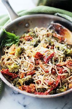 Broccoli and Sun-Dried Tomatoes Pasta by diethood #Pasta #Broccoli #Tomatoes