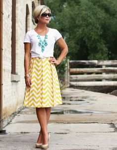 Chevron skirt in pale yellow - transition from summer to fall?