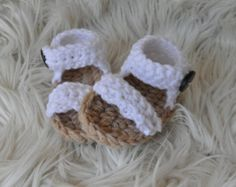Crochet newborn/baby girls white lace look sandals
