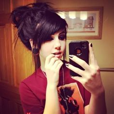 emo scene hair love those bangs Pretty Hairstyles, Girl Hairstyles, Scene Hairstyles, Black Hairstyle, Style Hairstyle, Updo Hairstyle, Wedding Hairstyles, Pelo Emo, Hair Colorful