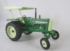 Oliver 1555 toy tractor Ertl