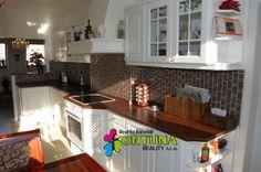 Kuchyňská linka v opraveném panelovém bytě