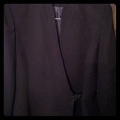 SagHarbor Black Ladies Blazer, Plus Size 18 This is a beautiful SagHarbor brand black ladies blazer. It has a cute little wrap fasten in front. Very flattering on the figure! Size 18. Sag Harbor Jackets & Coats Blazers