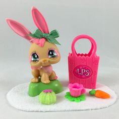 Littlest Pet Shop Cute Tan Pink Long Ear Bunny 506 w Green Eyes Accessories Little Pet Shop, Little Pets, Custom Lps, Lps Sets, Big Eyes, Selling On Ebay, Green Eyes, Blind, Miniature
