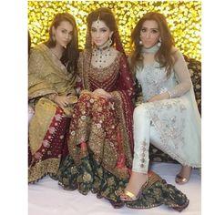 @Zehra_saleem stuns in a #buntokazmi bridal on her own valima . #instafashion #instastyle #bride #weddingdiaries #fashiondiaries #weddingbells #zehrasaleemoutfit #trendx_