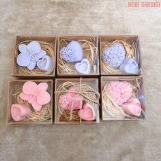 Hediyelik sabunlarımız hazır! ✔️ El yapımı kokulu sabun siparişi vermek için DM atabilirsiniz 💕 #elyapımı #handmade #elişi #elemeği #sabun #sabunkalıbı #doğal #handmadesoaps #handmadesoap #hediye #hediyelik #luxurylife #natural #naturallife #soapmaker #sabunyapimi #doğalsabun #instasoap #lavanta #lavender #pink #soapmaking #gift #gifts #handmadewithlove #dekoratif #instadecor
