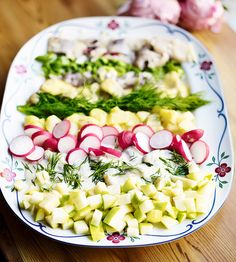 Lägg upp i snygga rader på ett stort fat och servera tillsammans med favoritsillen.