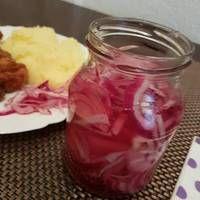 Savanyított lilahagyma Pickles, Mason Jars, Eat, Pickle, Canning Jars, Pickling, Glass Jars, Jars, Mason Jar