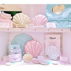 Dream come true // mermaid shell purses