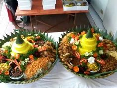 087781092707 Pesan Nasi Tumpeng Di Cipete Creative Food, Catering, Food And Drink, Table Decorations, Jakarta, Food Ideas, Rice, Box, Snare Drum