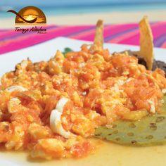 ¿Qué tal estos huevos mestizos para desayunar? No dejen de visitar nuestra Terraza Albufera.  Beachscape Kin Ha (Cancún).