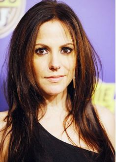 Mary-Louise Parker Long Straight Cut - Mary-Louise Parker Long Hairstyles Looks - StyleBistro Mary Louise Parker, Pictures Of Mary, Elizabeth Olsen, Brunette Girl, Celebs, Celebrities, Best Face Products, Hollywood Actresses, Hot Actresses