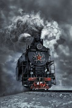 quenalbertini: Old Soviet steam locomotive in winter by Dmitry Laudin on Train Tracks, Train Rides, Old Steam Train, Choo Choo Train, Bonde, Old Trains, Train Engines, Steam Engine, Steam Locomotive