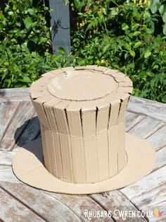 How to make a DIY Willy Wonka hat!  Works for the Mad Hatter or Dr Seuss' Cat in…