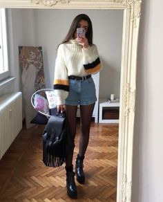 Nice 37 Stunning Short Sweater Outfits Ideas for This Winter. More at http://aksahinjewelry.com/2017/11/30/37-stunning-short-sweater-outfits-ideas-winter/