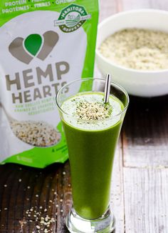 10 Easy Ways to Enjoy Hemp Hearts -- Truth is, you can add them virtually to anything. Here are some ideas besides sprinkling Hemp Hearts on salad, cereal and yogurt. Detox Smoothie Recipes, Weight Loss Smoothie Recipes, Superfood Recipes, How To Make Smoothies, Smoothies For Kids, Healthy Smoothies, Unhealthy Diet, Real Food Recipes, Healthy Recipes