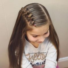 Hair tutorial You are in the right place about cute baby girl hairstyles Here we offer you the most Side Braid Hairstyles, Baby Girl Hairstyles, Braided Hairstyles Tutorials, Little Girl Short Hairstyles, Cute Little Girl Hairstyles, Simple Girls Hairstyles, School Picture Hairstyles, Princess Hairstyles, Easy Toddler Hairstyles