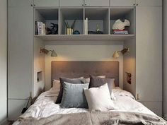 36 Awesome Modern Small Bedroom Design And Decor Ideas 36 Awesome Modern Small Bedroom Design And Decor Ideas Dream Bedroom, Home Bedroom, Modern Bedroom, Master Bedroom, Bedroom Decor, Bedroom Storage For Small Rooms, Small Bedroom Designs, Bedroom Built In Wardrobe, Small Apartments
