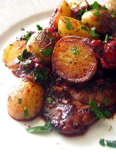 Dans la cuisine de Sophie: Foie de veau aux framboises et pommes de terre (testé avec du vinaigre de framboise, en l'absence des petits fruits)