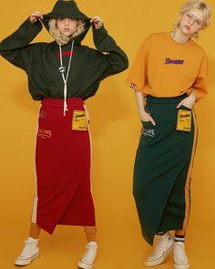 "2,136 Me gusta, 8 comentarios - CRES. E DIM. _ official (@cresedim) en Instagram: ""_ DIM. E CRES. 2017 SPRING SUMMER〰 _ D R E A M S _ #CresEDim #DimECres #크레스에딤 #딤에크레스 #딤에크레스17ss"" Sport Fashion, Daily Fashion, Fashion Brand, Girl Fashion, Fashion Outfits, Womens Fashion, Fashion Design, Mode Streetwear, Streetwear Fashion"