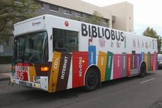 Bibliobús por fuera: Bibliobús de Zaragoza