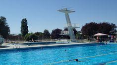 DIVONNE-LES-BAINS (01 - Ain, France) - Centre Nautique - Bassin de 50m, installations de plongeon et fosse à plongeon (Photo prise le 19/07/2016 par Daniel C., Officiel national de plongeon à la Fédération Française de Natation).