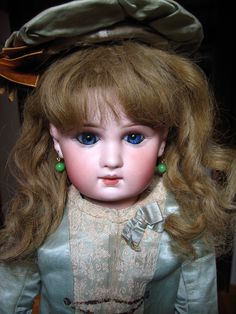 Incised Depose Jumeau doll by Sogno all'Alba, via Flickr