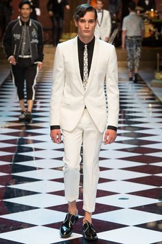 Dolce & Gabbana Spring 2017 Menswear Collection Photos - Vogue