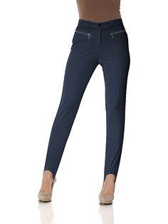 Das Must-have für trendstarke Looks! Mit eleganten Bügelfalten. Schmale Röhrenform mit normaler Leibhöhe. Gürtelschlaufen, Reißverschluss, Zipper-Taschen vorne. Elastischer Steg. Normal-Größen, Schrittlänge ca. 82 cm, Kurz-Größen, Schrittlänge ca. 77 cm, Lang-Größen, Schrittlänge ca. 87 cm. Aus 94% Polyester, 6% Elasthan. In Grau-melange aus 62% Polyester, 33% Viskose, 5% Elasthan. Waschbar....