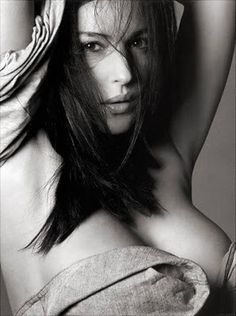 monica bellucci- no party complete without Monica... Ciao Bella!