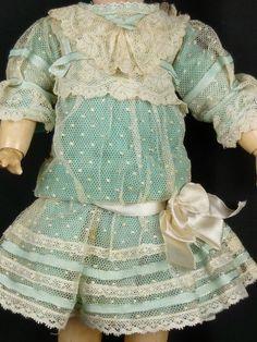 Хлопковый тюль и хлопковый бархат для шитья антикварным и другим куклам / Антикварные куклы, реплики / Шопик. Продать купить куклу / Бэйбики. Куклы фото. Одежда для кукол