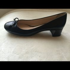 Prada Saffiano Pump Heels Prada Saffiano Black Leather With Bow Cap Toe Stack Medium Classic Pump Heels!! Made in Italy! Gorgeous!! NWT ! No box!! Size 37 U.S. 7 Prada Shoes Heels