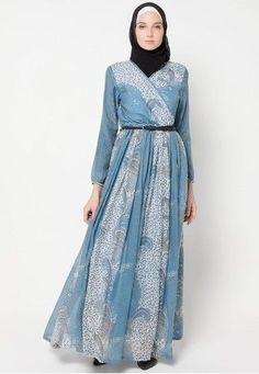 Dress Muslim Pesta Bermotif yang Modis dan Elegant