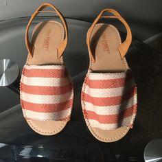 Super Cute Sandal Brand New! Shoes