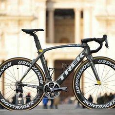Fabian Cancellaras Trek Domane as ridden in - Road Bike - Ideas of Road Bike Trek Road Bikes, Road Cycling, Cycling Bikes, Cycling Art, Cycling Jerseys, Cycling Equipment, Bicycle Race, Bike Run, Hardtail Mountain Bike