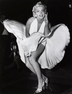 Garry WINOGRAND :: Marilyn Monroe during the filming of 'The Seven Year Itch', NYC, 1954-55