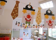 Zu Fasching basteln im Kindergarten Bastelideen für Masken Accessoires und Best Picture For DIY Carnival party For Your Taste You are looking for something, and it is going to tell you exactly what yo Preschool Circus, Kindergarten Crafts, Preschool Crafts, Diy And Crafts, Crafts For Kids, Kids Diy, Diy Carnival Games, Carnival Crafts, Carnival Decorations