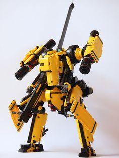 Dominating the battlefield, Heavily-armed #mech by Ryuhei Kawai (kwi-chang)   #LEGO #SciFi