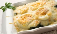 The title says Spinach with bechamel sauce...but the recipe also has codfish too so it looks like a main entree.