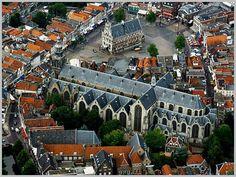 Sint Janskerk, Stadhuis en markt van Gouda St.Jan church, city hall and main square of Gouda