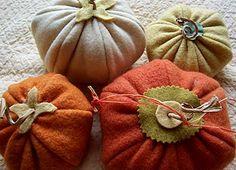 Halloween: Felt Pumpkin Pattern & Instructions