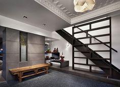 Black pebble flooring - Blender Architecture / 2041 West Dickens