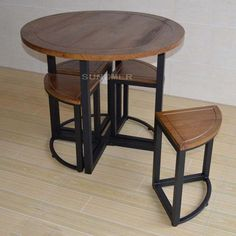 American wood furniture combination to do the old wrought iron circular dining table custom casual cafe tables and chairs Easy Welded Furniture, Iron Furniture, Industrial Furniture, Furniture Making, Furniture Design, Unique Furniture, Luxury Furniture, Cafe Tables, Table And Chairs