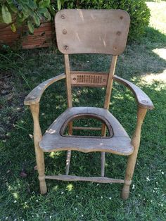 Repurposed+Chair+to+Garden+Planter