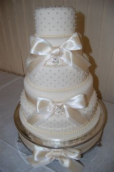 stunning wedding cakes | stunning artificial wedding cake - wedding planning discussion forums