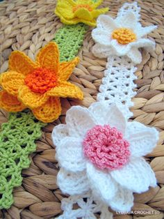 inserzione di Etsy su https://www.etsy.com/it/listing/153199309/crochet-pattern-crochet-flower-headband