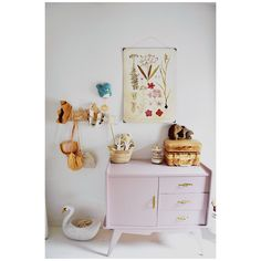 Girly vintage room