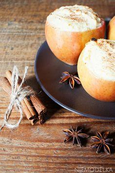 Jabłka pieczone nadziewane twarogiem. Cheesecake stuffed baked apple with cinnamon (gluten free)
