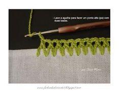 FALANDO DE CROCHET: CASEADO DE CROCHE COM PASSO-A-PASSO / EM PONTO ALTO COM DUAS BASES Crochet Boarders, Crochet Edging Patterns, Crochet Lace Edging, Crochet Cross, Crochet Squares, Love Crochet, Filet Crochet, Learn To Crochet, Crochet Designs